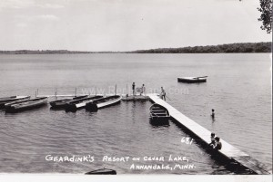 Geardink's Resort on Cedar Lake, Annandale, MN (click to enlarge)